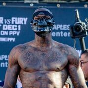 Deontay Wilder Fury weigh in credit Esther Lin Showtime November 2018
