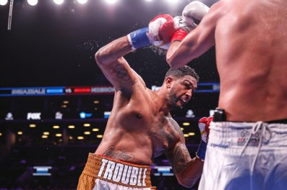 Breazeale knockout Carlos Negron Credit Stephanie Trapp TGB Promotions.jpg4