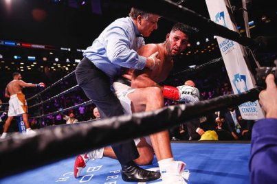 Breazeale knockout Carlos Negron Credit Stephanie Trapp TGB Promotions2